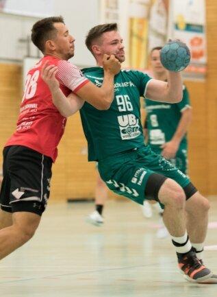 Nach neun Toren im Auftaktspiel gegen Wittenberg-Piesteritz will Nico Werner (r.) nun in Delitzsch seine Torejagd fortsetzen.