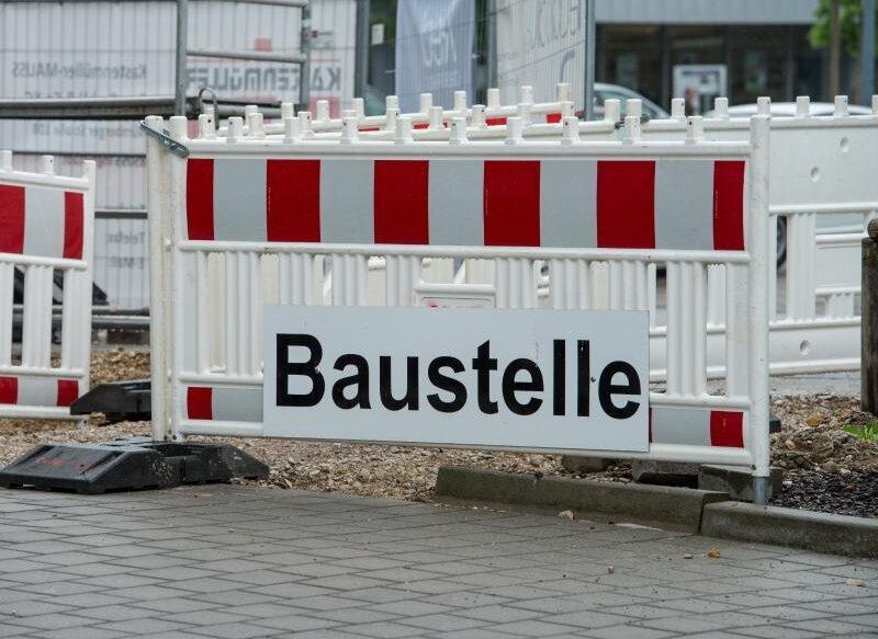 In Friedeburg wird Kanal hergerichtet