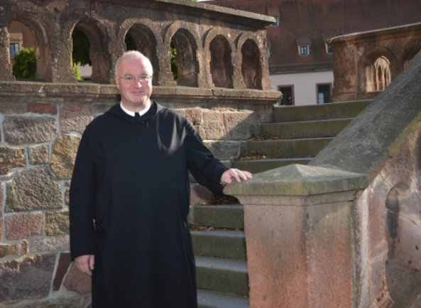 """<p class=""""artikelinhalt"""">Pater Prior Maurus Kraß ist seit zwei Wochen der Chef im Kloster Wechselburg.</p>"""