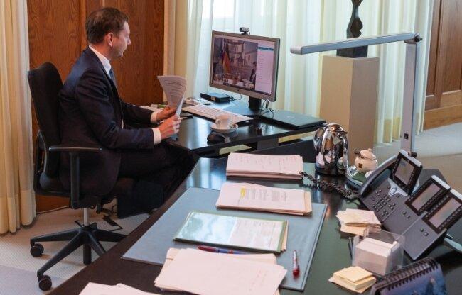In Vorbereitung einer Videoschalte mit Michael Kretschmer (CDU), Ministerpräsident von Sachsen, haben ihm die erzgebirgischen Bürgermeister einen langen Brief zukommen lassen.