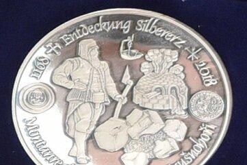 2018 nimmt die Münze auf 850 Jahre Freiberger Silbererz Bezug.