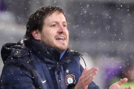 FCE-Trainer Hannes Drews ist mit der Hinrunde seiner Veilchen in der 2. Bundesliga zufrieden. In der Rückrunde will er aber mehr Konstanz in die Leistungen seiner Mannschaft bringen.