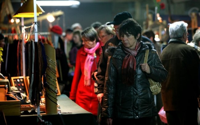Beim Bummel über den Kunsthandwerkermarkt gab es an jeder Ecke etwas Neues zu entdecken.