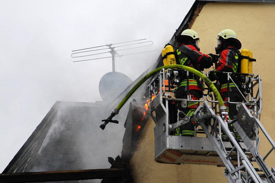 Wohnhaus unbewohnbar nach Brand in Adorf