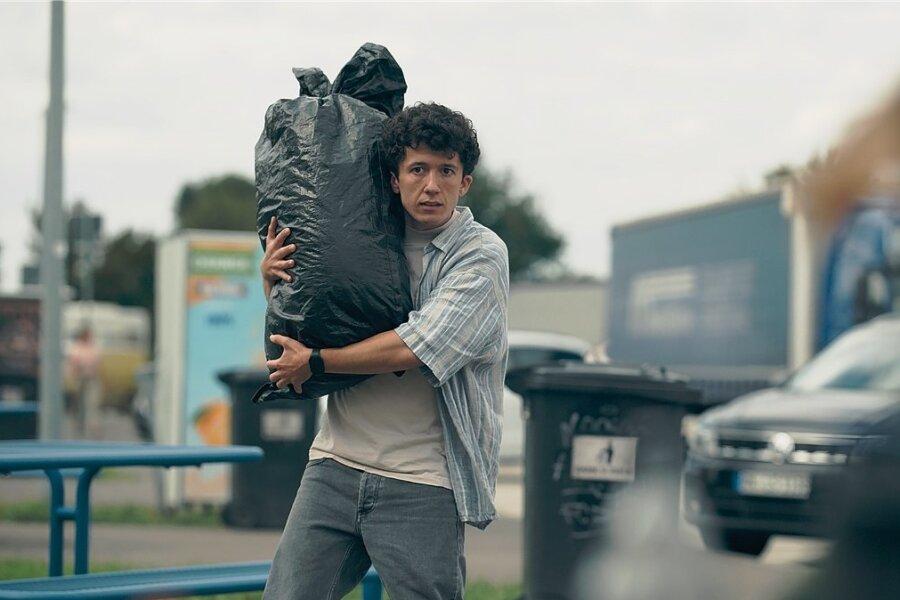 """Maximilian Mundt als Moritz (""""m1000"""") in einer Szene der 3. Staffel der Serie """"How to Sell Drugs Online (Fast)"""". Die neue Staffel startet am kommenden Dienstag beim Streaminganbieter Netflix."""