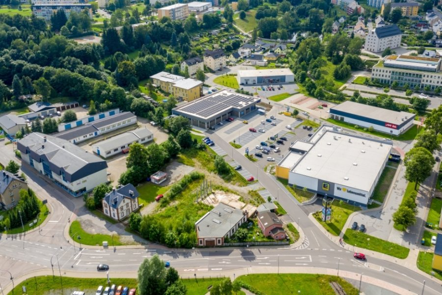 Blick aus der Vogelperspektive auf das Einkaufsgebiet an der Hanischallee.