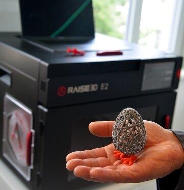 Im Digi-Lab steht auch ein 3-D-Drucker, mit dem beispielsweise ein Ei erschaffen werden kann.
