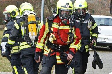 Bei Einsätzen wie am Wochenende am Schindmaaser Weg in Glauchau spielen unter der Schutzausrüstung auch Emotionen eine Rolle.