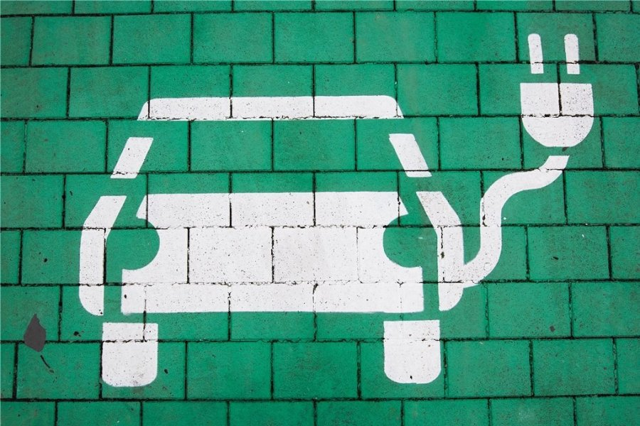 Das Netz von Ladestationen für E-Autos soll in den nächsten Jahren zügig ausgebaut werden.