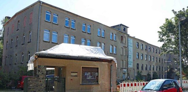 Die Industriebrache in der Neukirchener Pestalozzistraße steht seit fast 20 Jahren leer. Das Bürogebäude wurde bereits abgerissen.