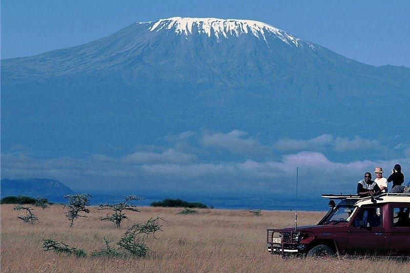 Der Kilimandscharo in Tansania ist für viele Bergsteiger ein Traumziel. Aber eigentlich ist er auch von unten schön.