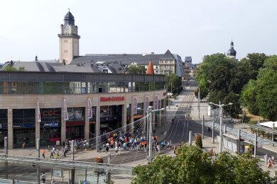 Nach der Übung strömten die Menschen zurück in die Stadt-Galerie in Plauen.