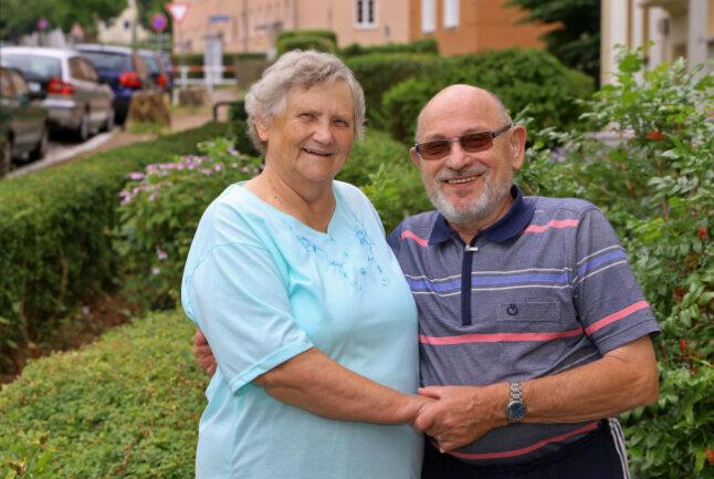 Glückliche Geschwister - wiedervereint nach einem Dreivierteljahrhundert: Christel Ehrich und Günter Peleiski.