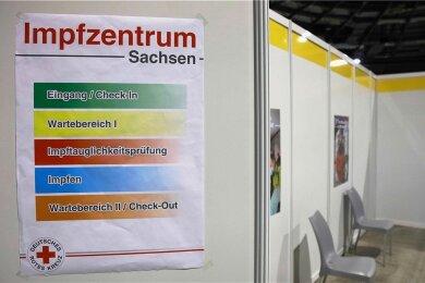 Bislang gibt es in Westsachsen nur ein Impfzentrum, nämlich jenes in der Stadthalle Zwickau. Doch das halten viele Einwohner und Bürgermeister des Landkreises nicht für ausreichend.