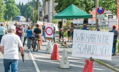 """Einwohner haben """"die Schnauze voll"""". Das gilt nicht nur für die Reitzenhainer, sondern für viele betroffene Bürger entlang der B 174 über Marienberg, Großolbersdorf und Hohndorf bis nach Chemnitz."""
