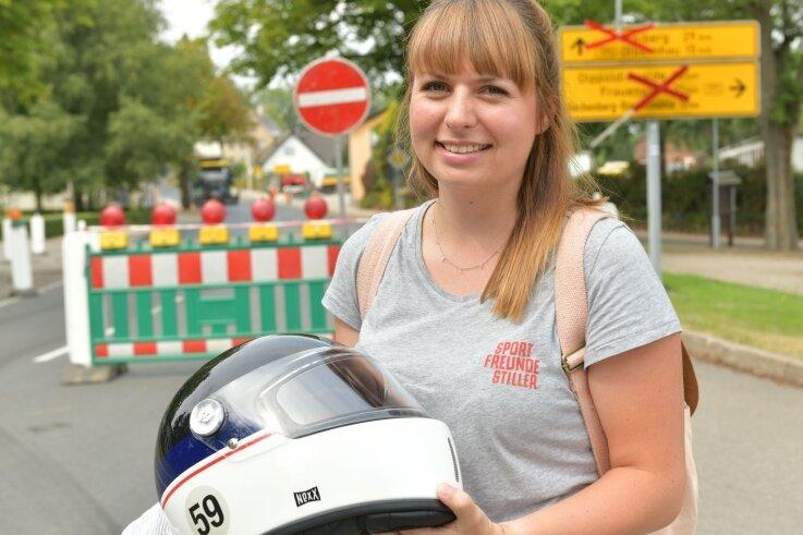 Loreen Böhme aus Zschopau stand plötzlich vor der Sperrung, als sie ihr Motorrad aus der Werkstatt abholen wollte.