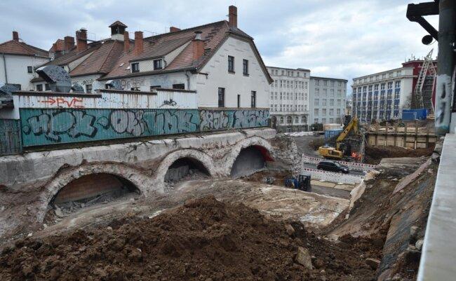 Bereits im Januar war die Deutsche Bahn mit schwerem Gerät am Südbahnhof unterwegs - damals allerdings auf der Seite der Bernsdorfer Straße.