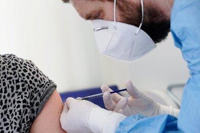 Wo sollen Schüler im Vogtland geimpft werden? Die Diskussion darum hat begonnen.