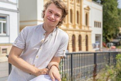 Richard Glöckner (26) ist das neue Gesicht im Gesangsensemble des Eduard-von-Winterstein-Theaters und ein waschechter Erzgebirger. Der junge Tenor kommt aus Seiffen.