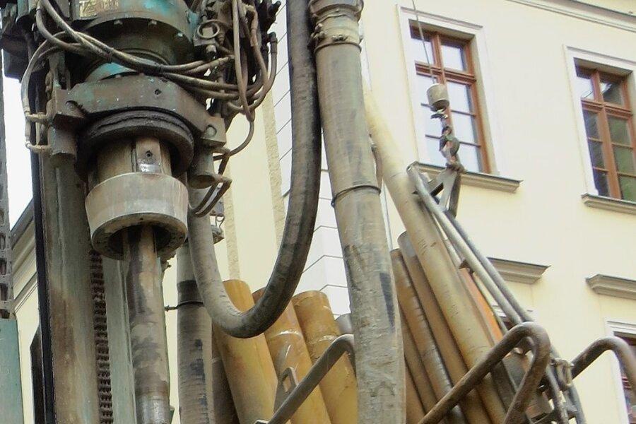 So wurden 2013 vor der Dittesschule die Löcher für die Erdwärmenutzung gebohrt.