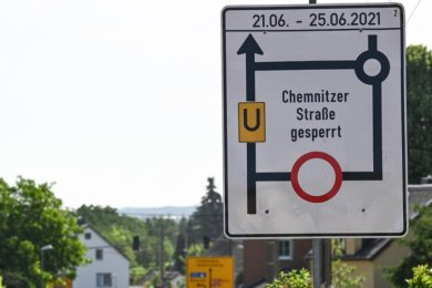 Seit Montag ist die Autobahnzufahrt aus Richtung Chemnitz in Oberlichtenau gesperrt. Die Umleitung führt über Niederlichtenau.