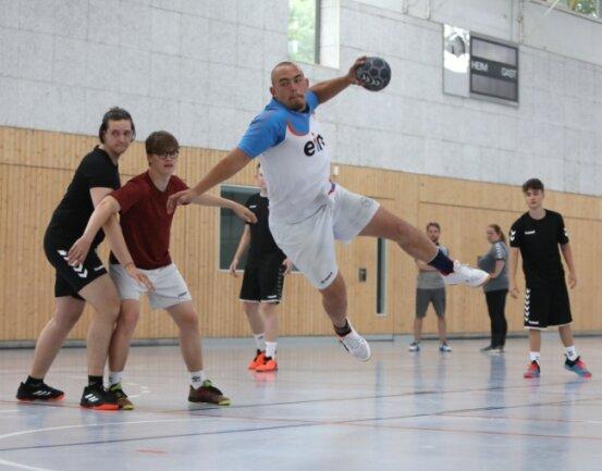 Im männlichen Nachwuchsbereich - hier beim Training in der Glauchauer Sachsenlandhalle - bildet der BSV Limbach-Oberfrohna sechs Spielgemeinschaften mit dem HC Glauchau/Meerane.