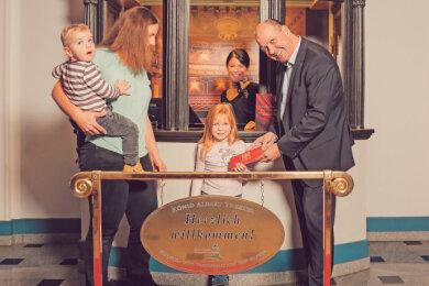 Familie Wehr mit Mandy Reinhardt und Florian Merz.