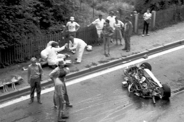 Der Horror-Crash von Hans-Dieter Kessler 1987 in der Stadtdurchfahrt des alten Sachsenringes spielte bei der Talkrunde zur Wendezeit wieder eine maßgebliche Rolle. Er war der Anfang vom Ende.