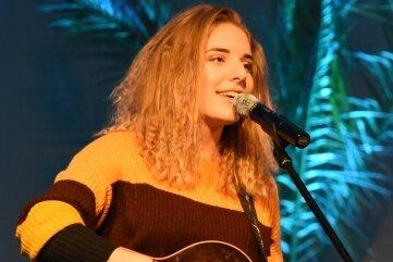 Johanna Mross bei einem Auftritt in Oelsnitz.