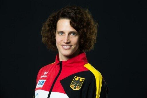 Lena Schöneborn freut sich über WM-Silber von Schleu