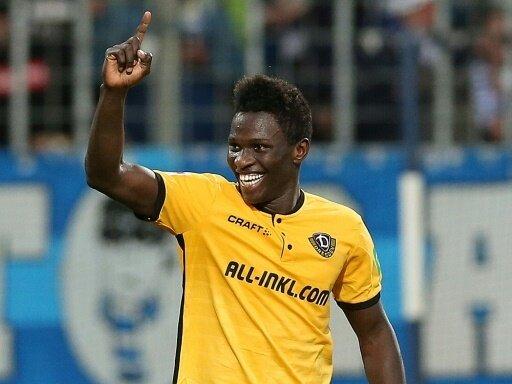 Moussa Kone jubelt nach seinem 1:0 für Dresden