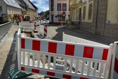 Die Mittweidaer Straße in Hainichen, hier kurz vor der Einmündung Feldstraße, bleibt noch rund zwei Wochen gesperrt.