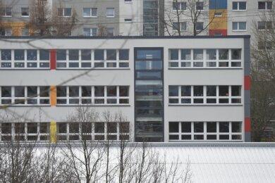 Von Gymnasium bis Sprachheilschule - das Schulgebäude an der Arno-Schreiter-Straße 1 in Markersdorf wurde schon für unterschiedlichste Zwecke genutzt. Im Sommer wird es zur eigenständigen Oberschule.