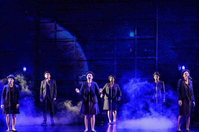 """Das Stück """"Träume!"""" - hier ein erstes Szenenfoto - hat am heutigen Freitag, 19.30 Uhr Premiere am Mittelsächsischen Theater in Freiberg."""