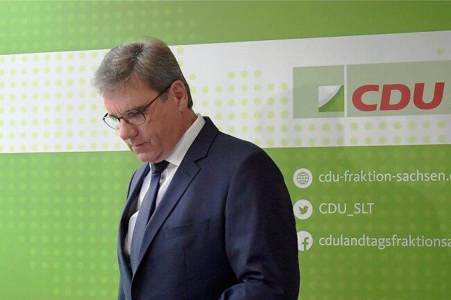 Seit 2014 war Frank Kupfer sächsischer CDU-Landtagsfraktionschef. Nun gibt er sein Amt auf. Vor der Presse in Dresden erläuterte er seine Gründe.