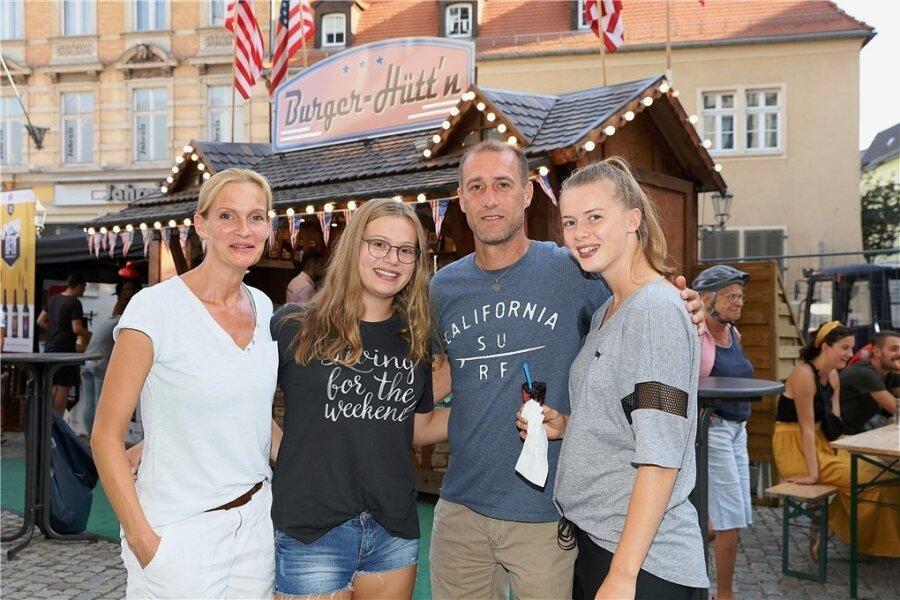 Joe Enochs mit seiner Familie. Ehefrau Gunilla lernte er in Osnabrück kennen. Sophie ist 14, Emily (17/von links) spielt inzwischen am College in den USA Basketball.