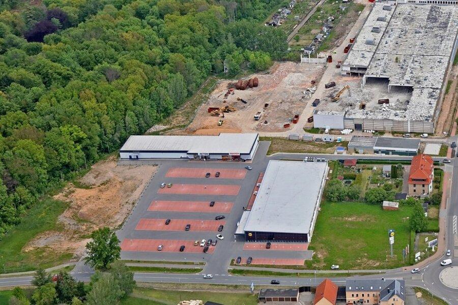 Blick aus der Luft: Hier hat die Rewe-Group ein Grundstück für den Bau eines Einkaufsmarktes erworben.Foto: Ralph Köhler/Archiv