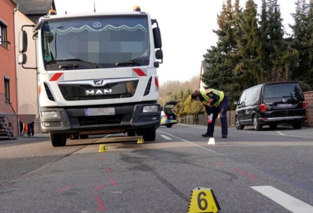Bei einem Verkehrsunfall auf der B107 im Stadtteil Draisdorf ist ein sechsjähriger Junge schwer verletzt worden.