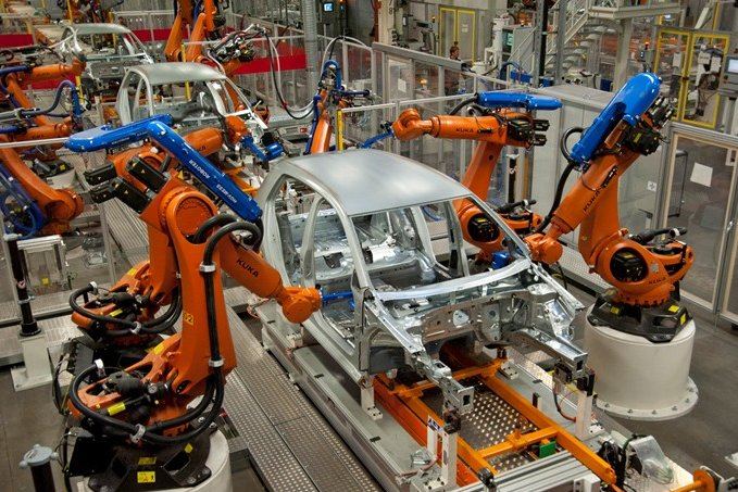 Produktion des Golf VII im Zwickauer Volkswagenwerk.