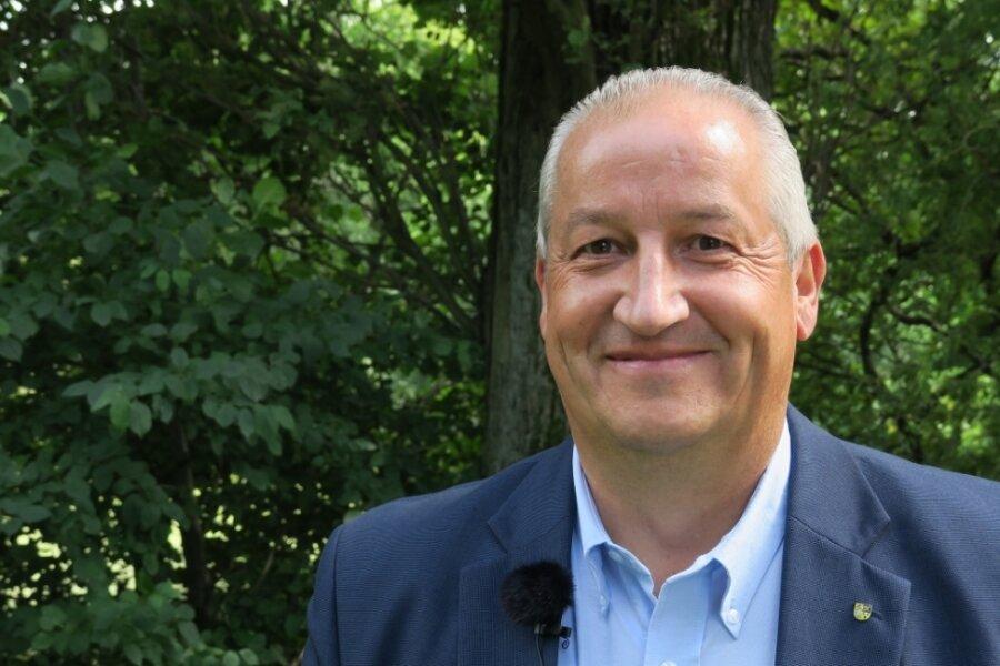 Auch Mike Moncsek von der AfD muss Menschen in gleich drei Landkreisen von sich überzeugen.
