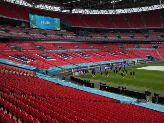 Das Wembley-Stadion soll sich im Laufe der EM-Finalrunde immer mehr füllen.