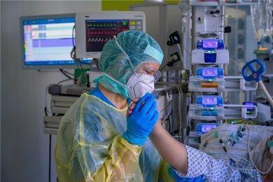 In den Tagschichten kümmert sich jede Pflegekraft in der Chemnitzer Klinik um je zwei Patienten.