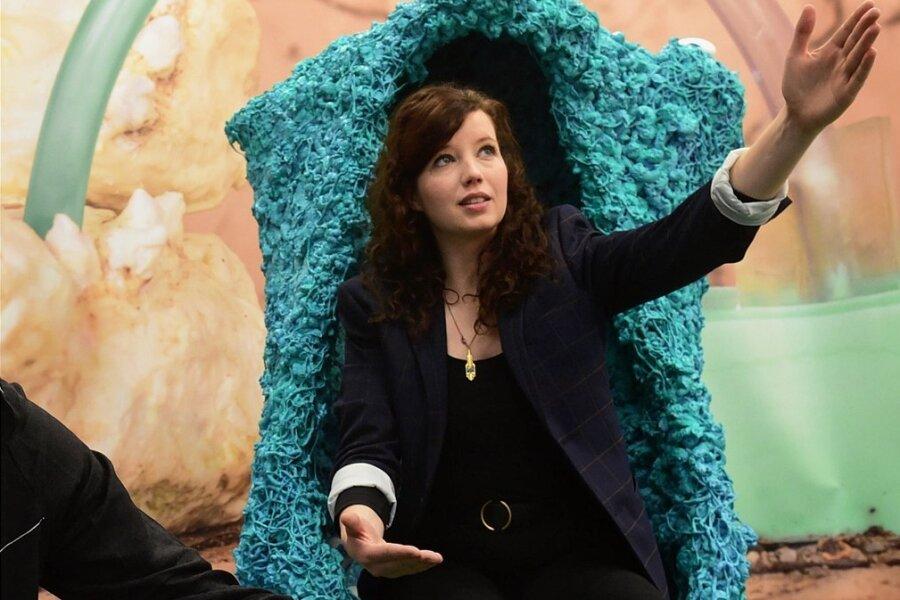 """Es geht voran: Künstlerin Bianca Kennedy stellte im Dezember 2020 in der Galerie """"E Artis"""" in Chemnitz aus."""