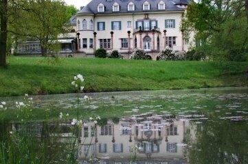Schloss Wolfsbrunn gehört seit 1997 den Brüdern Leonhardt. Sie sanierten es damals für zehn Millionen Mark.