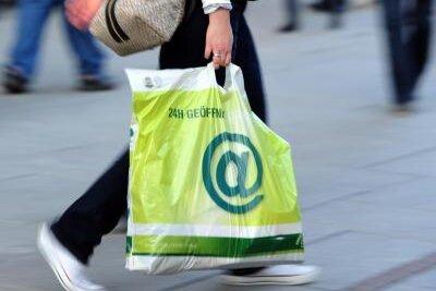 Handel macht zu wenig gegen Plastikmüll