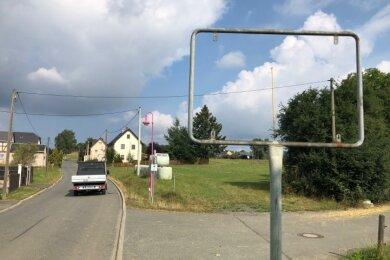 Das Ortseingangsschild in Steinsdorf ist verschwunden.