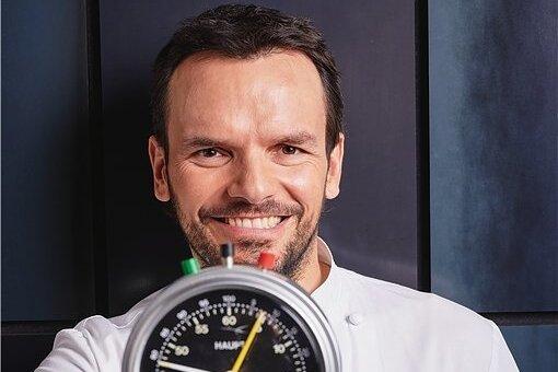 Gibt Tipps fürs fixe Zubereiten von Gerichten: Fernsehkoch Steffen Henssler.