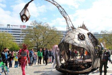 """Bei der vom Verein Kreatives Chemnitz organisierten """"Maker Faire"""" soll es keine Grenzen zwischen Technik und Kunst geben. Das Foto entstand bei einer früheren Auflage der Messe im Stadthallenpark."""