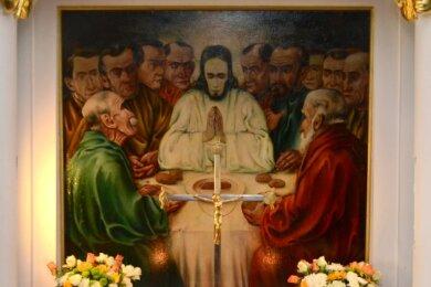Seit 1929 befindet sich dieses Bild von Otto Lange am Altar der Ellefelder Lutherkirche. Der Verräter Judas ist mit einem roten Haarschopf rechts hinten nur angedeutet.
