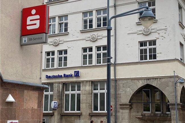 Haben Filialen am Taubenmarkt in Crimmitschau: die Sparkasse, die Deutsche Bank und die Volksbank. Die Commerzbank ist ganz in der Nähe.